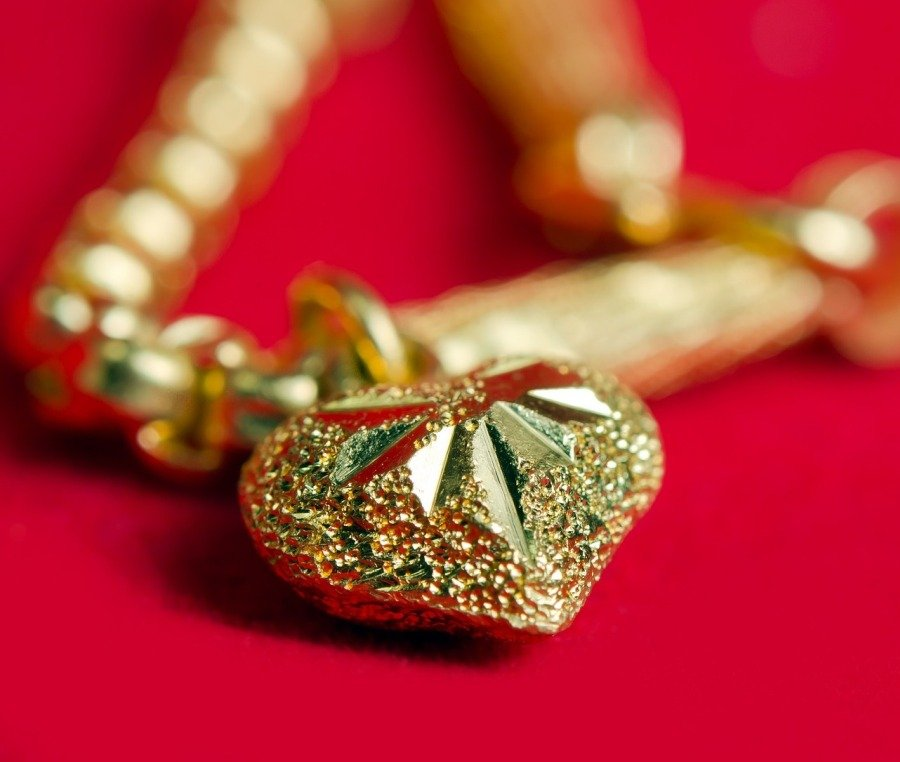 We Buy Gold Jewelry